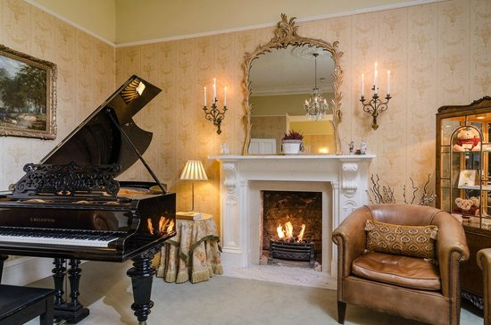 Apsley House Hotel: Cosy in the Drawing Room