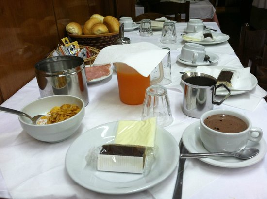 Patrizia Hotel : Nice little breakfast served at this place