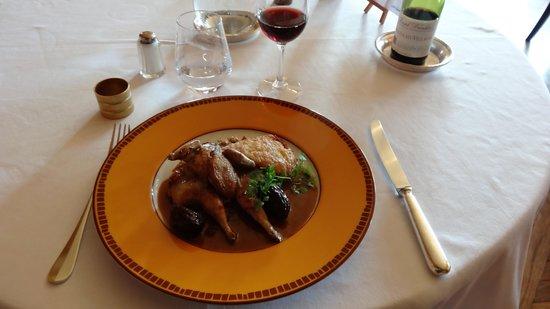 Le Manoir du Soleil d'Or: caille rotie sauce aux pruneaux et armagnac