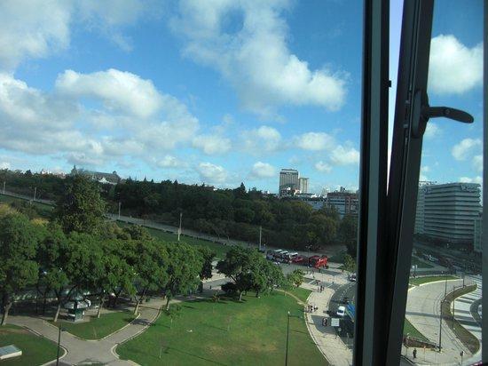 HF Fenix Lisboa: Vista do quarto para o Parque Eduardo VII