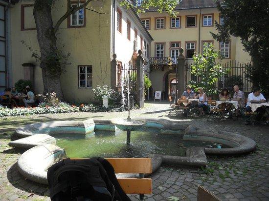 Kurpfälzisches Museum: pátio e jardim