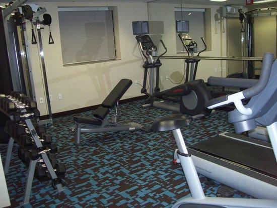 Fairfield Inn New York JFK Airport: gym