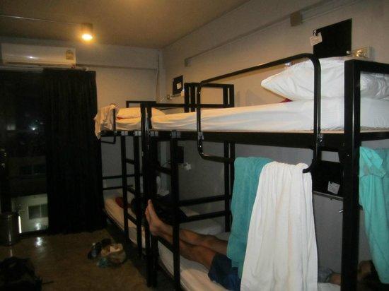 WE Bangkok Hostel : 4 bedder room