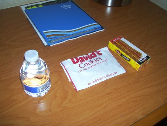 Fairfield Inn New York JFK Airport: freebies