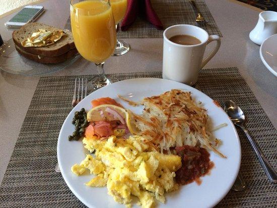 Hilton Santa Fe Historic Plaza: Full Breakfast Buffet