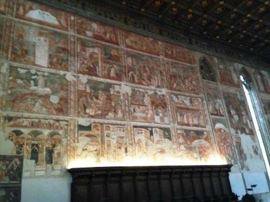 Museo Diocesano Napoli - Complesso Monumentale Donnaregina: parete sud del coro della chiesa vecchia affresacata
