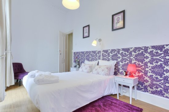 The Imperial Guesthouse: Double Room with Balcony and private Shower