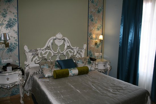 Hotel Adriano Sevilla : beautiful upgraded room