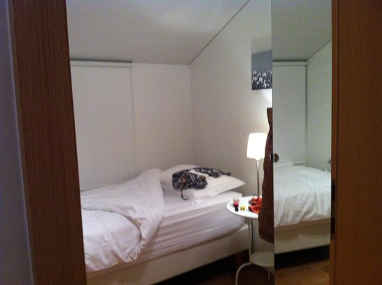 Rey Apartments Hotel: Bedroom
