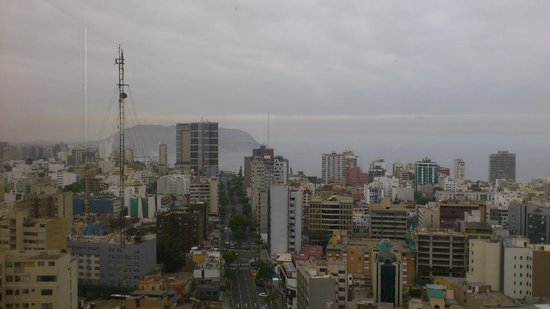 Estelar Miraflores Hotel : Вид с 22 этажа (city view from the hotel)