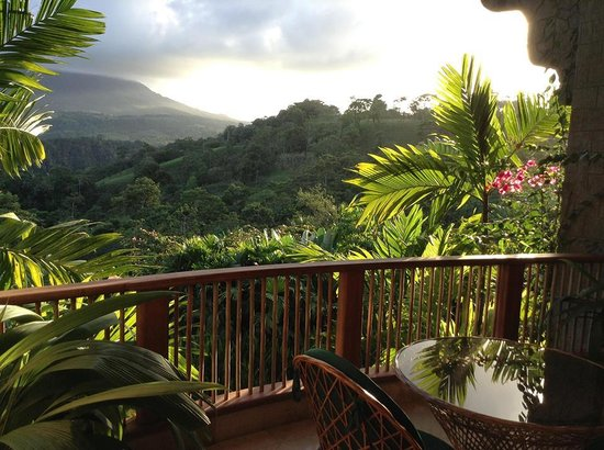 The Springs Resort and Spa: View of the volcano from our balcony