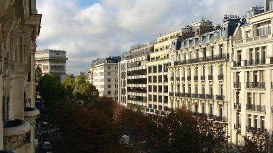 Le Royal Monceau-Raffles Paris : Vista Suíte Jr. 406 - Arco do Triunfo