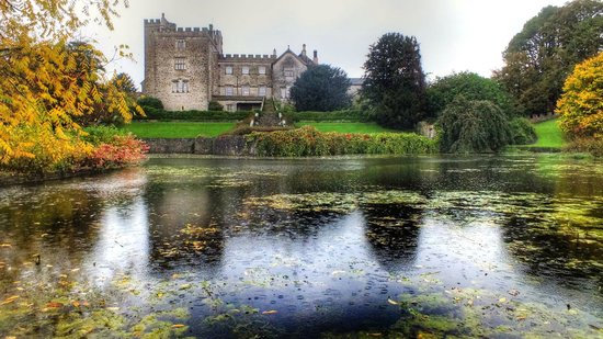 Sizergh Castle: view over the still pond