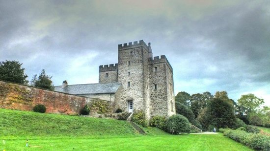 Sizergh Castle: The old tower and hall