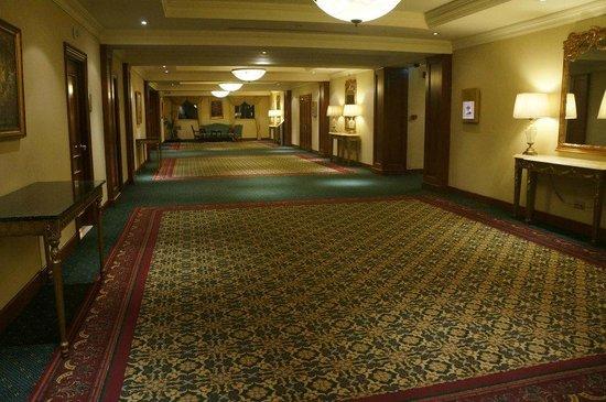 Armenia Marriott Hotel Yerevan: To function rooms