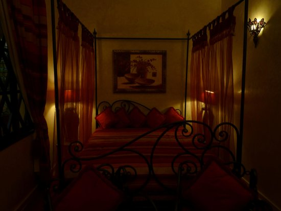 """Riad Soleil d'Orient : Chambre """"Nuit pourpre"""""""