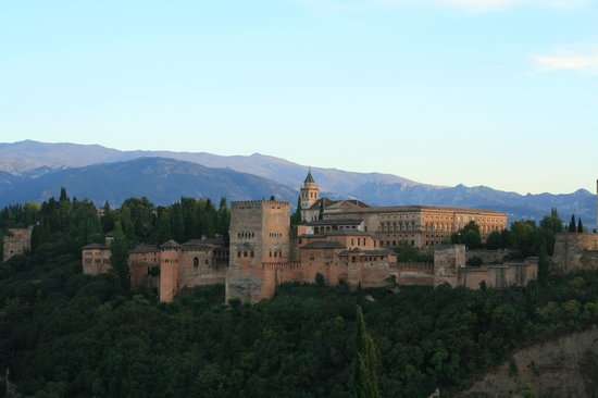 Hotel Dauro Granada : Alhambra at Sunset from Saint Nicholas Plaza