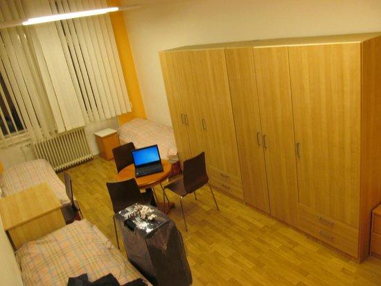 Budapest Budget Hostel: 4 beds room