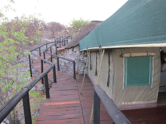 Eagle Tented Lodge & Spa: Attention aux lattes de bois !