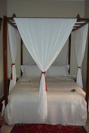 Riad Marana: Comfortable bed, quiet room.