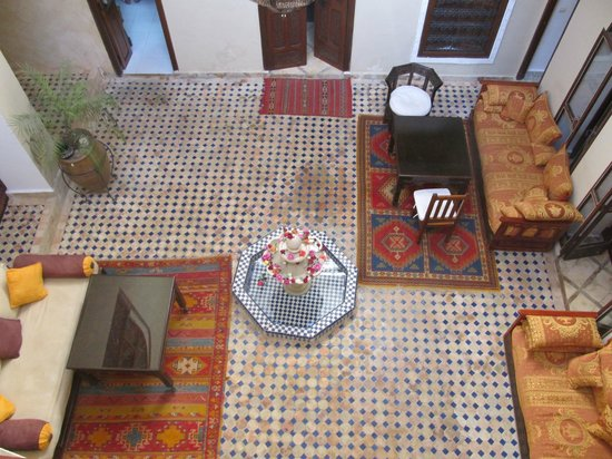 Riad Marana: Beautiful common area.