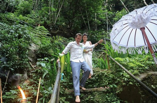 Nandini Bali Jungle Resort & Spa: The adventure down the hundreds of steps to the river/life together. <3