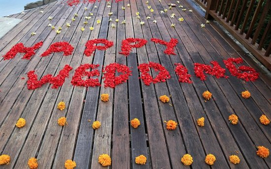 Nandini Bali Jungle Resort & Spa: Happy Wedding! So special - each petal placed so sweetly and intentionally.