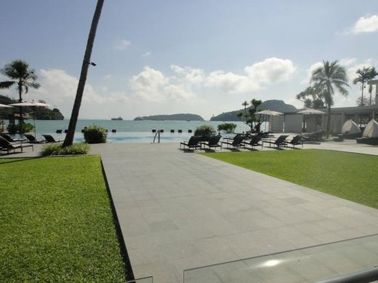 Crowne Plaza Phuket Panwa Beach : amazing view while having breakfast