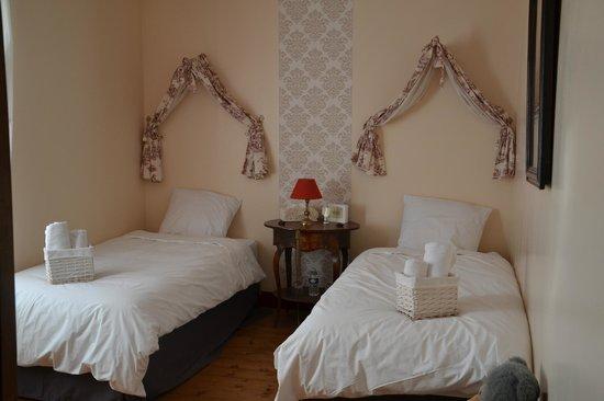 La maison rose b b puiseaux france voir les tarifs for Eugenie les bains la maison rose