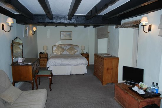 The Mill House Inn : Our very warm, cosy, clean bedroom