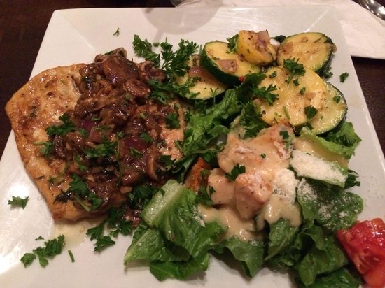 Nonnas Trattoria: Chicken Marsala with Cesar salad and fresh vegetable