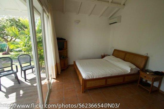 Hostellerie des Chateaux: La chambre avec un grand lit
