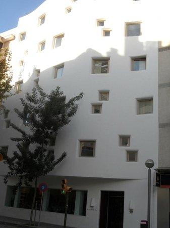 HM Balanguera : External front elevation