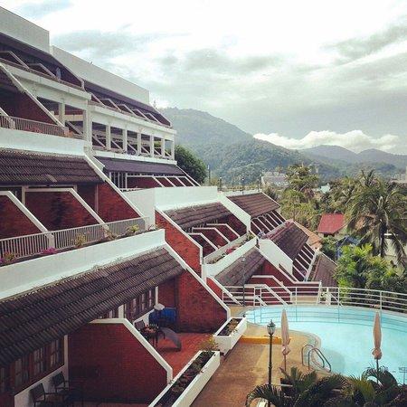 Best Western Phuket Ocean Resort: View of hotel and surroundings