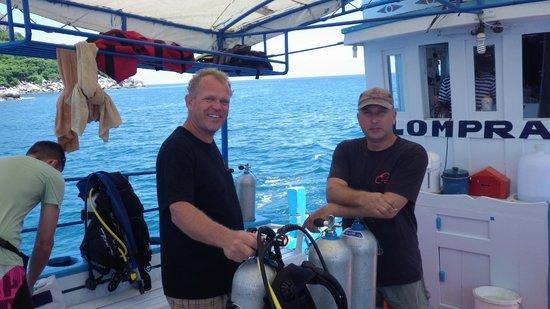Samui Asia Divers: Tauchbot klein