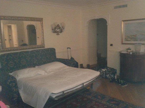 Torre dell'Orologio Suites: vue salon avec canapé lit