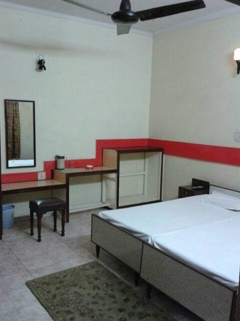 Pawan Hotel: double bed a/c