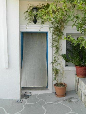 Villa Pavlina : entrata per andare alle camere