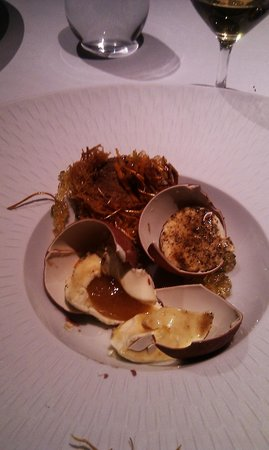 Bray on Thames, UK: Egg in verjus, verjus in egg