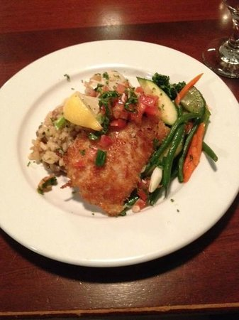 High Tides Seafood Grill : Asiago crusted cod with scallop risotto