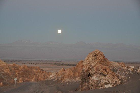 Parina Atacama Apart Hotel: Valle de la Luna. Alrededores del pueblo de S. Pedro