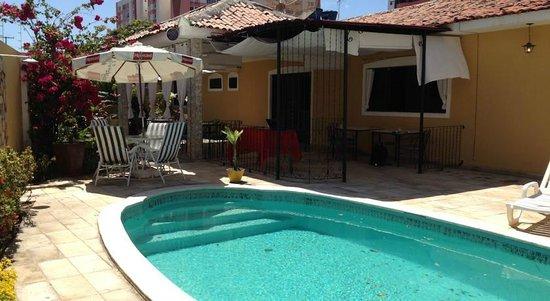 Brazuka Hostel: Swimming pool