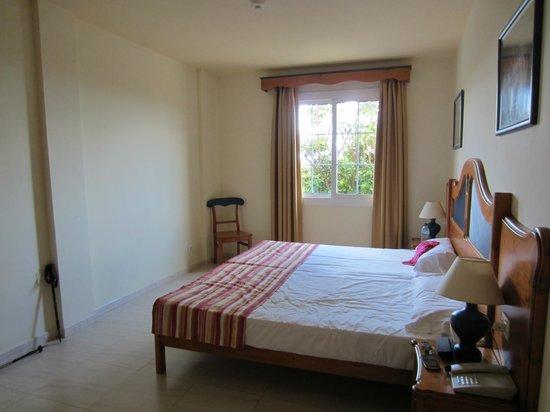Hotel Las Olas: Bedroom