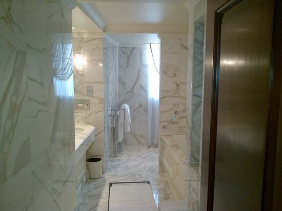 The Dorchester: Bathroom - very big
