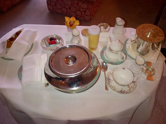 The Dorchester: Room service breakfast