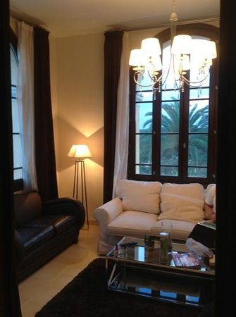 Sant Pere del Bosc Hotel & Spa: the lounge in room 01.