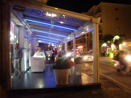Tourist Bar Restaurant: Bar Tourist
