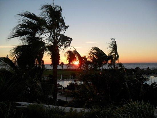 ClubHotel Riu Tikida Dunas: Sunset on last night :-(