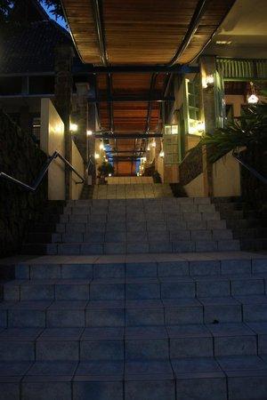 Hotel Deli River : een prachtige toegang tot het restaurant