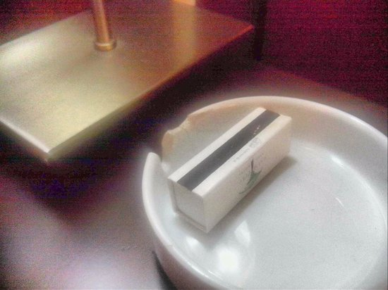 Palm City Hotel: ashtray with a used matchbox